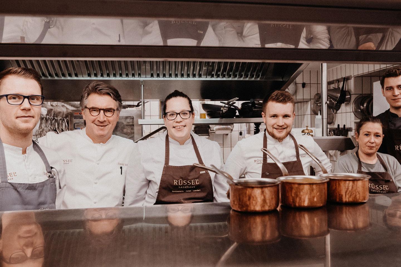 Team Rüssels Landhaus in der Küche